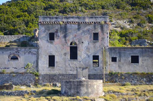 l'ex carcere a Capraia